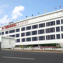 SRM Hotel in Maraimalai Nagar