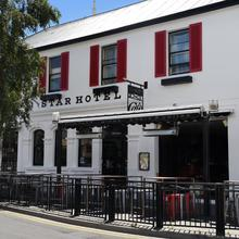 Star Bar Cafe & Hotel in Launceston