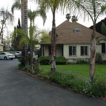 Starlite Cottage Motel in Los Angeles