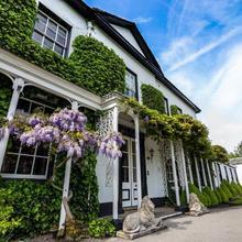 Statham Lodge Hotel in Burtonwood