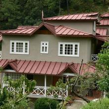 Stay Apart Wood Castle Resort in Mukteshwar