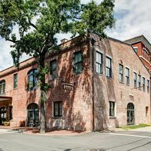 Staybridge Suites Savannah Historic District in Savannah
