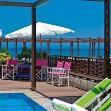 Steris Beach Hotel Apartments in Kastellos