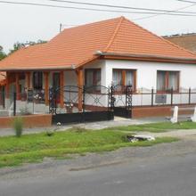 Sátor-Hegy Vendégház in Madi Tanyak
