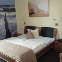 Strandhotels Seestern & Delphin in Sande