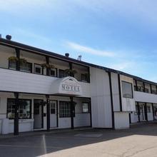 Stratford Motel in Whitehorse