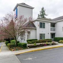 Studio 6 Seattle - Mountlake Terrace in Everett