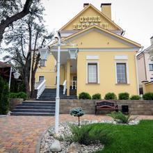 Sudar Hotel in Tula