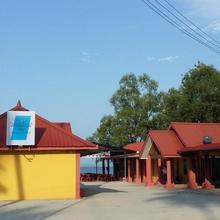 Summer Beach Lodge in Labuan