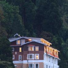 Summit Hermon Hotel & Spa in Darjeeling