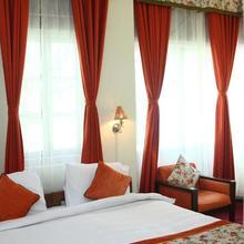 Summit Swiss Heritage Hotel in Naya Bazar