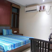 Sunny Hotel in Batala