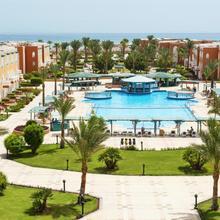 Sunrise Garden Beach Resort & Spa in Al Ghardaqah