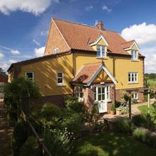 Sunset House Bed and Breakfast in Barnham