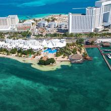 Sunset Marina & Yacht Club - All Inclusive in Isla Mujeres