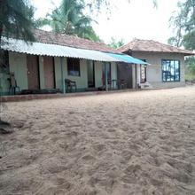 Sunshine Beach Resort in Tarkarli