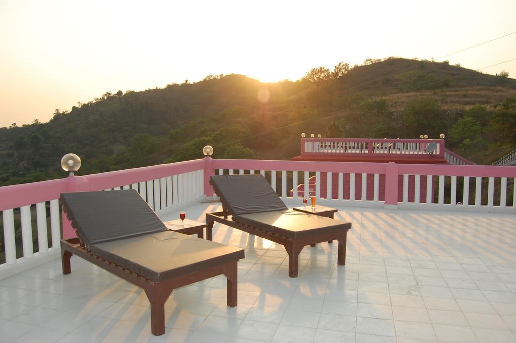 The Sunshine Courtyard Resort in Kandaghat