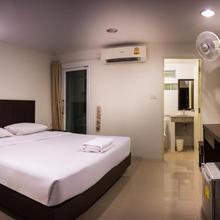 Sunshine Hostel in Hua Hin