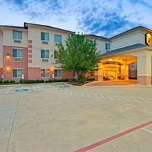 Super 8 By Wyndham Austin/airport North in Austin