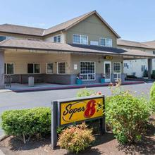 Super 8 By Wyndham Gresham/portland Area Or in Portland