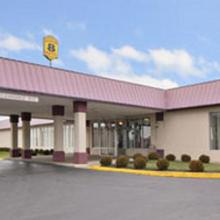 Super 8 Springfield in Snyders Mill