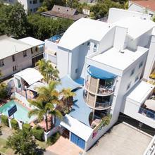 Surfers Beach Resort One in Gold Coast
