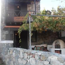 Symposio Nikos House in Palekhori