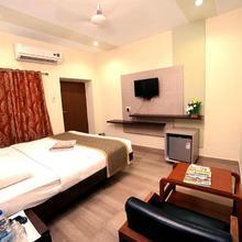 Taj Mahal Hotel Abids in Sururnagar