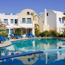 Tamarix Del Mar Suites in Thira