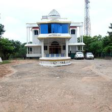 Tamilarasi Lodge in Nidamangalam