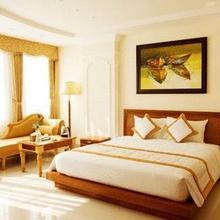 Tan Hoang Long Hotel in Ho Chi Minh City