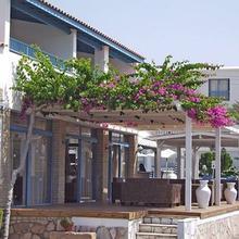 Tasmaria Aparthotel in Paphos
