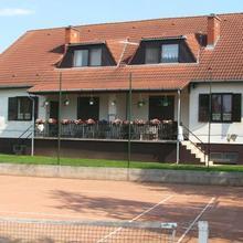 Tenisz Vendégház in Abrahamhegy