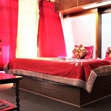 Thakur Niwas Home Stay in Manali