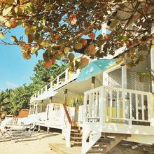 The Beach House Boutique Hotel in Roatan