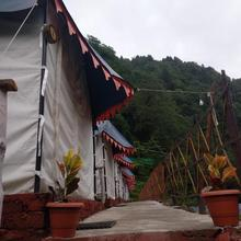 The Blue Camp Barot in Bir