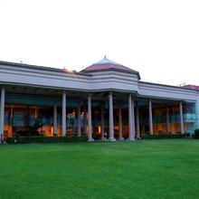 The Cabbana Resort & Spa in Jalandhar
