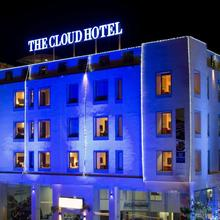 The Cloud Hotel in Naroda