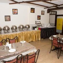 The Crest Inn in New Delhi