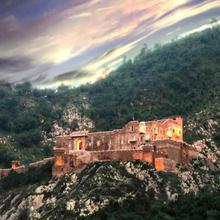 The Dadhikar Fort Hotel in Alwar