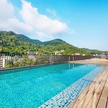 The Deck Patong By Favstay in Phuket