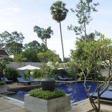 The Frangipani Villa Hotel Ii in Siemreab