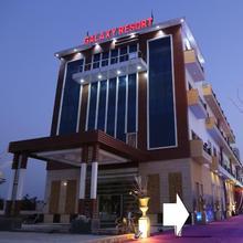 The Galaxy Resort Bahadurgarh in Ladrawan