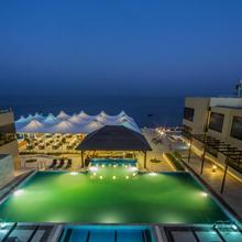 The Gold Beach Resort in Pardi