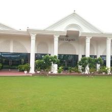 The Grand Banquet & Resorts in Gorah Salathian