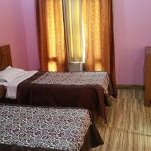 Grand Utsav Motel in Lambhua