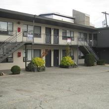 The Grove West Seattle Inn in Seattle