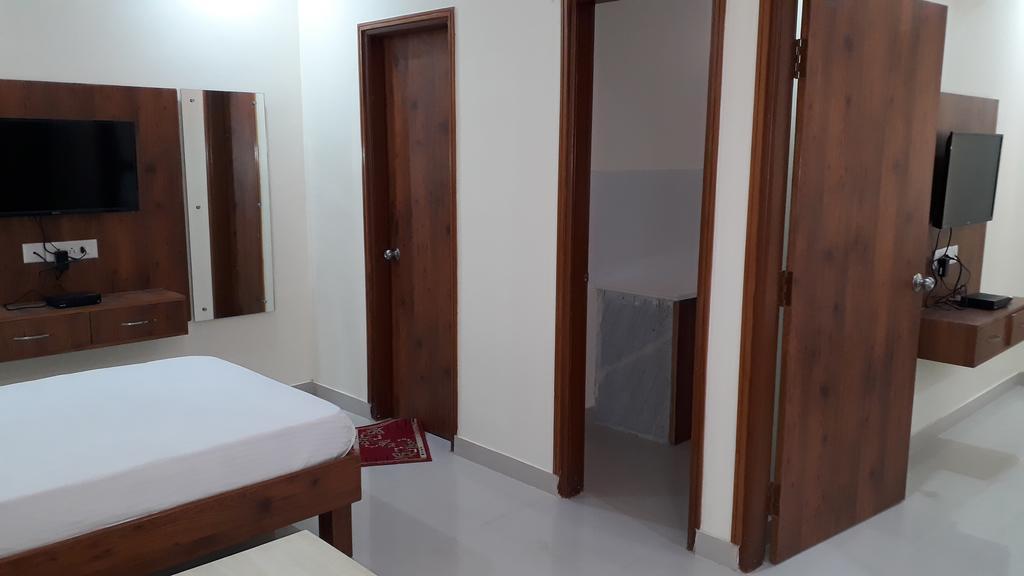 The Gsl Hotel in Dhanakya