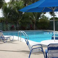 The Hollywood Gateway Inn in North Miami Beach