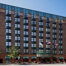 Hotel Cleveland Gateway in Cleveland